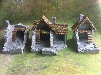 Medieval Ruined Houses Set 3pcs